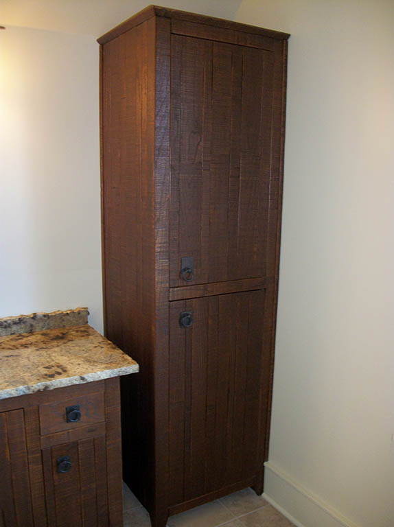 Bathroom linen closets in oak home decor for Oak linen cabinet for bathrooms