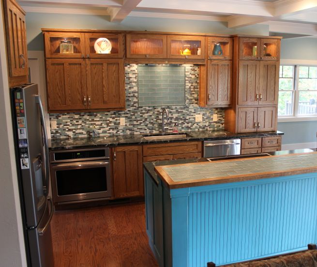 Red Oak Cabinets Kitchen: Charles R. Bailey Cabinetmakers